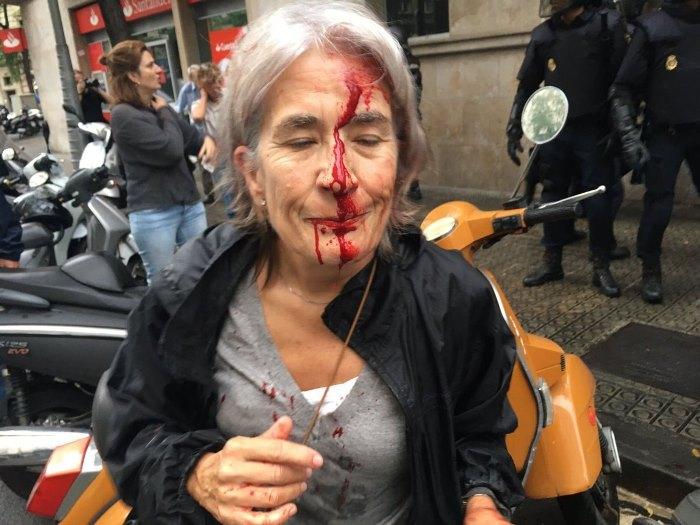 ТРИМА убити в Барселона в деня на Референдума