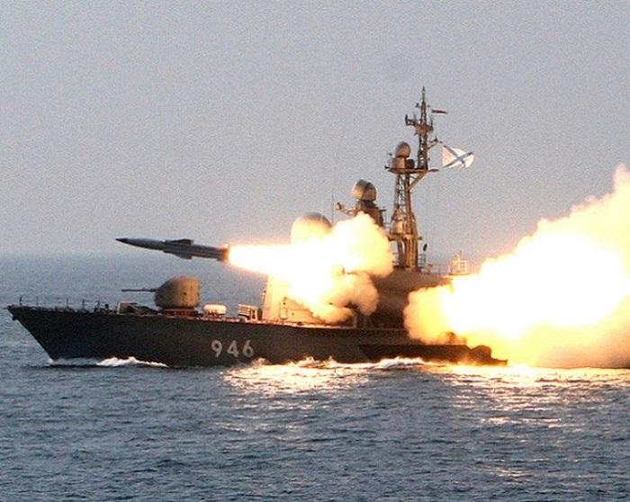 """ЛОША новина за ФАЩ: На всеки руски военен кораб """"подарък"""" от Шойгу"""