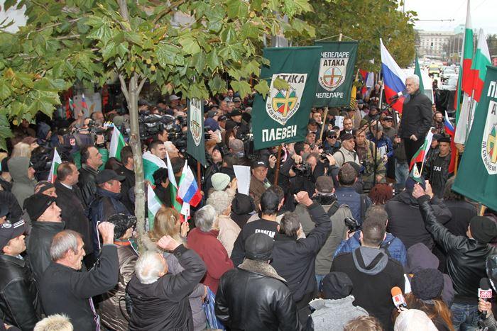 Сидеров пред Паметника на Апостола: Смъртната присъда на Левски е неправомерна!
