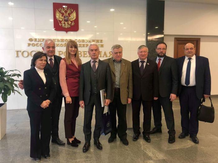 От 150 наблюдатели от десетки страни, единствено Сидеров бе поканен на среща в Държавната дума в Москва