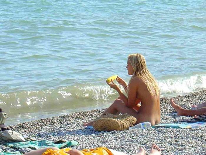 НАЙ-ДОБРИТЕ нудистки плажове в Крим