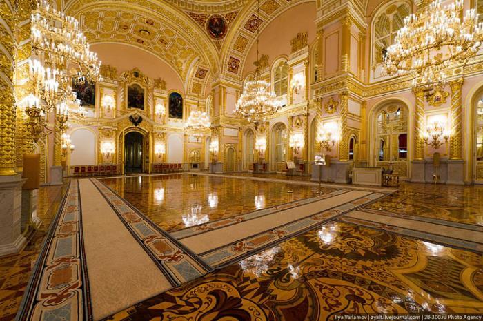 ГОЛЕМИЯТ Кремълски дворец