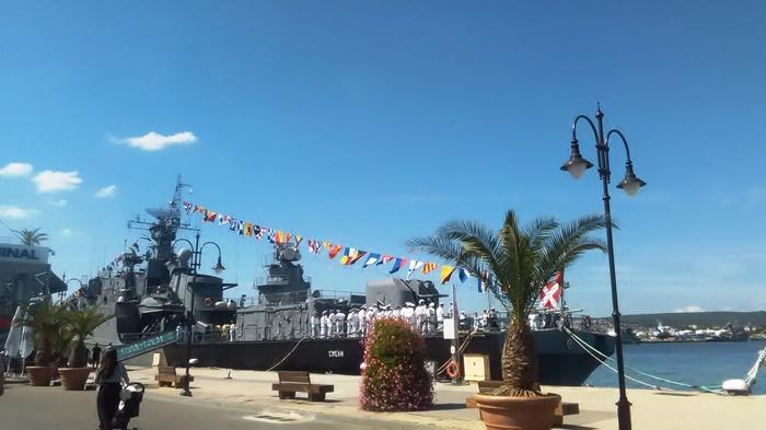 СКУЧЕН празник на Военноморския ни флот във Варна