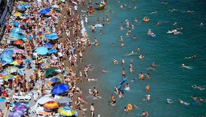 РУСИТЕ на плаж в Крим, не в Гръцко и Българско
