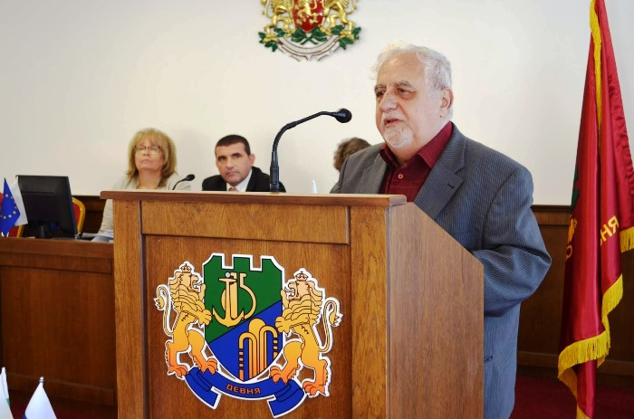 ДОБРЕ платени от външни сили пречат на руско-българските отношения