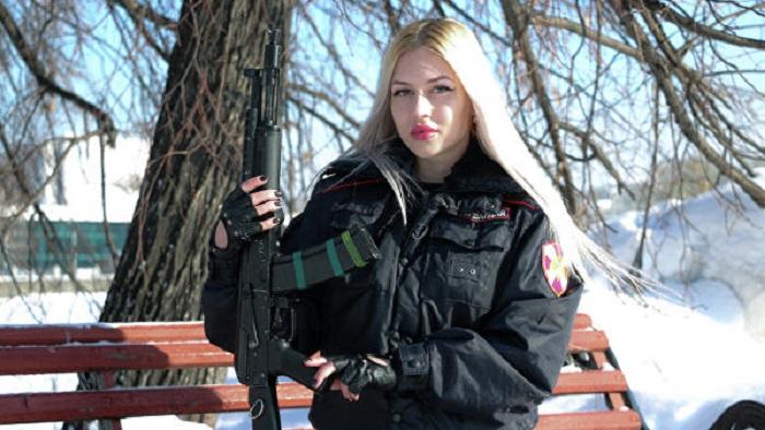 В РУСИЯ избраха най-красивата сътрудничка на Росгвардията