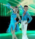 Песни, танци и Куба