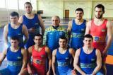 УКРАИНСКИ борци побягнаха към Русия